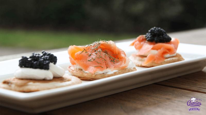 Boekweit Blini Recept | Boekweit blini. Het perfecte hapje voor feestjes. Ze zijn ook lekker als voorafje. Maak vandaag nog de perfecte boekweit blini. | http://www.cakies.nl | Stap 18