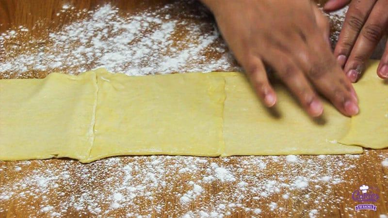 Kaasvlinders Recept | Kaasvlinders kan je heel makkelijk zelf maken. Je hebt alleen bladerdeeg, kaas en ei nodig om je eigen kaasvlinders te maken. Een lekkere hartige snack. | http://www.cakies.nl | Stap 03