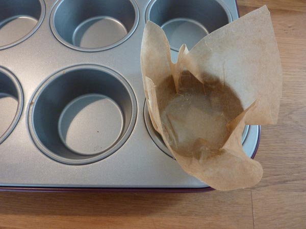 Jammie Goji Bes, Bosbes en Honing Muffins | Deze goji bes en bosbes muffins zitten bomvol heerlijke antioxidanten. In combinatie met de zoetheid van de honing zijn ze helemaal jammie! | http://www.cakies.nl | Stap 03