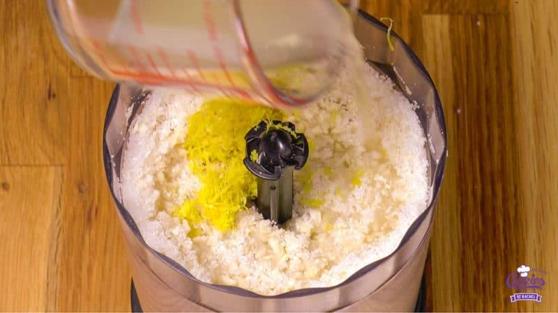 Zelf Amandelspijs Maken | Deze zelfgemaakte amandelspijs is super makkelijk om te maken en echt veel lekkerder dan uit de winkel! Amandelspijs recept, leer zelf amandelspijs maken. | http://www.cakies.nl | Stap 06