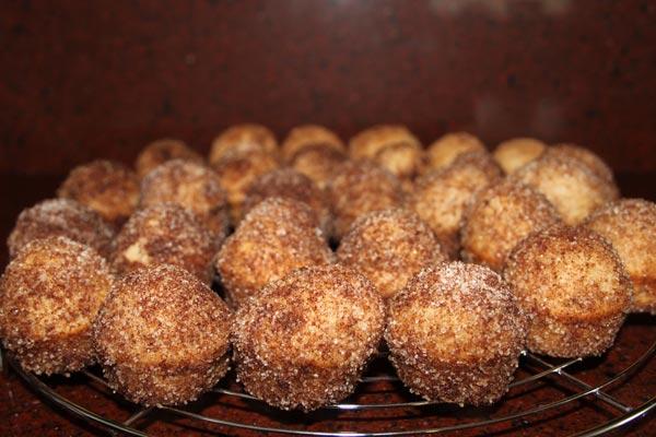 Muffins die smaken naar donuts! |Kaneel en Suiker Muffins | Deze Kaneel En Suiker Muffins smaken echt naar donuts! Een makkelijk recept, ik maak ze graag als mini kaneel en suiker muffins, als snack. | http://www.cakies.nl | Stap 14