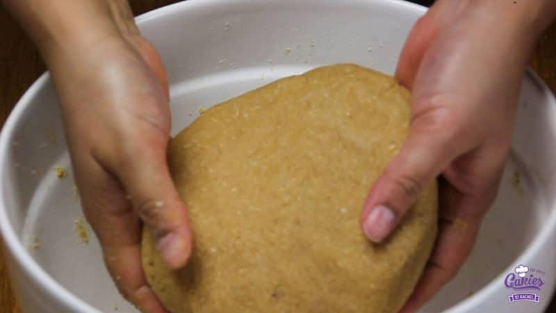 Oostenrijkse Linzer Torte Recept | Linzer Torte is schijnbaar de oudste taart ter wereld. Een klassieke Oostenrijkse taart gemaakt van een kruimelig deeg met aalbessen vulling. | http://www.cakies.nl | Stap 15