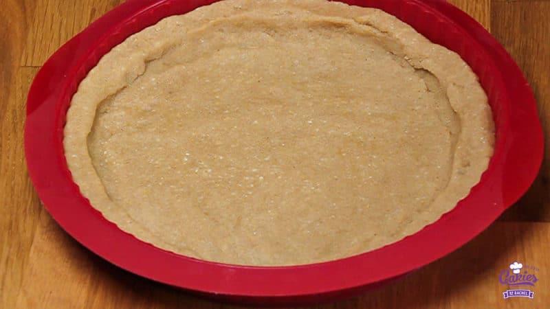 Oostenrijkse Linzer Torte Recept | Linzer Torte is schijnbaar de oudste taart ter wereld. Een klassieke Oostenrijkse taart gemaakt van een kruimelig deeg met aalbessen vulling. | http://www.cakies.nl | Stap 17