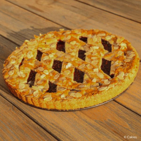 Linzer Torte is schijnbaar de oudste taart ter wereld. Een klassieke Oostenrijkse taart gemaakt van een kruimelig deeg met aalbessen vulling.