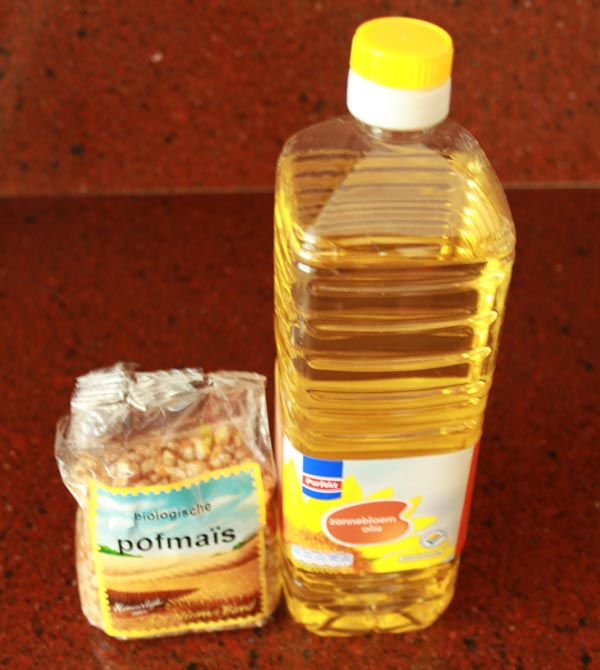 Hoe Maak Je Popcorn (zoals vroeger) | Heb je je wel eens afgevraagd, 'Hoe maak je popcorn eigenlijk?' Popcorn maken zoals vroeger kan echt heel leuk zijn en het smaakt nog lekkerder ook nog! | http://www.cakies.nl | Stap 01