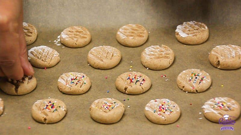 Speculaas Maizenakoekjes Recept | Speculaas maizenakoekjes zijn maizenakoekjes met een vleugje speculaas. Dit speculaas maizenakoekjes recept is glutenvrij. | http://www.cakies.nl | Stap 10