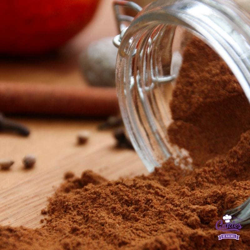Speculaaskruiden (Koekkruiden) | Speculaaskruiden (koekkruiden) zijn makkelijk zelf te maken. Speculaaskruiden (koekkruiden) kan je o.a. gebruiken voor speculaasjes, kruidnoten, pepernoten. | http://www.cakies.nl