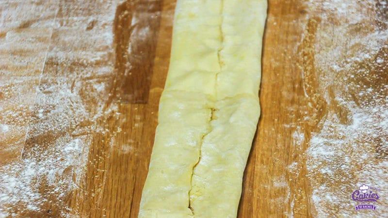 Suikervlinders Recept | Suikervlinders zijn een knapperig, zoet Frans koekje, ook wel Palmier genoemd. Met 3 ingrediënten kan je zelf deze heerlijke suikervlinder koekjes maken. | http://www.cakies.nl | Stap 08
